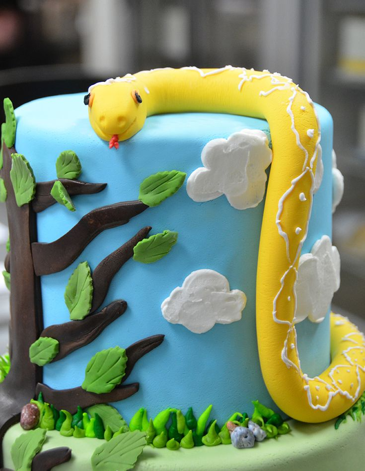 Fondant Snake by Beverly's Bakery
