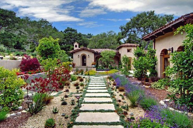 15 Faszinierende Ideen Fur Toskanische Garten Die Sie In Erstaunen Versetzen Werden In 2020 Toskanischer Garten Gartendekoration Mediterrane Hauser