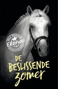13/52 De beslissende zomer is het tweede deel van de serie 'Elena, een leven voor paarden'. Schrijfster Nele Neuhaus laat haar lezers het hele verhaal weer op het puntje van hun stoel (in dit geval zadel) zitten.https://www.hebban.nl/recensies/edith-over-de-beslissende-zomer