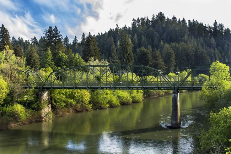 Old Guerneville Bridge on the Russian River Sonoma County CA. [3000x2000][OC]