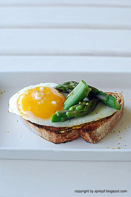 Asparagus And Fried Eggs On Garlic Toast Recipes — Dishmaps