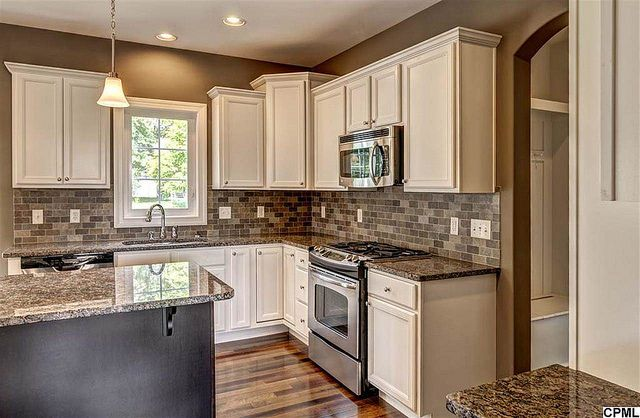 5988 camden drive harrisburg pa car side beautiful for Brookwood kitchen cabinets