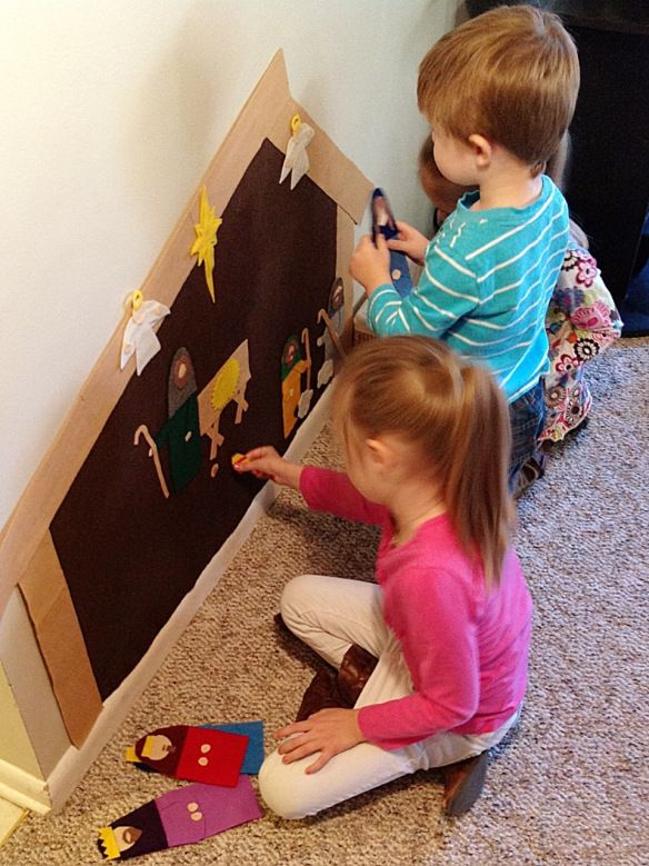 Wall Nativity from felt for kids to play with.