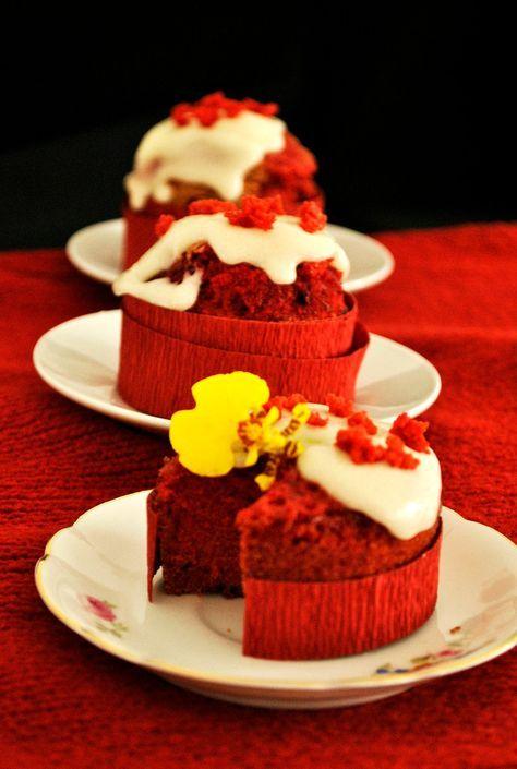 La versione cupcake e senza glutine della famosa torta USA red velvet, scenografici, buoni e