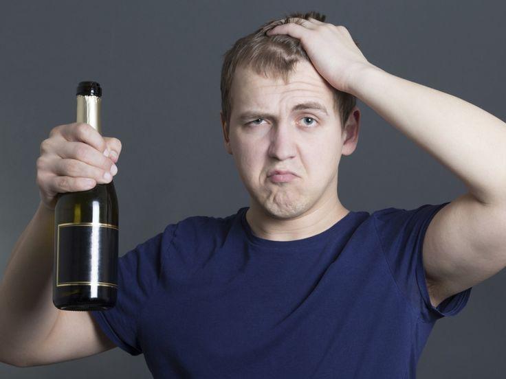 """Chilean slang (Chilenismos) : What does it mean """"Estoy con la cana """"? : I have a hangover Qué significa ¿""""Estoy con la caña""""?: Malestar producto del trasnoche y de las bebidas alcohólicas. Variante: Andar con la mona."""