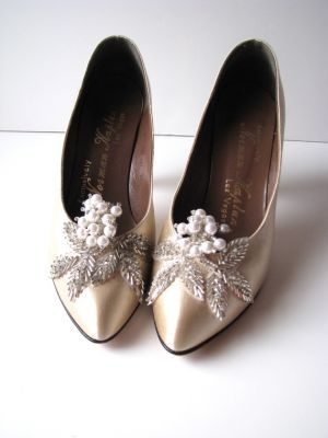 1920s inspired wedding shoes simply cry out romantic and feminine #Weddings #WeddingAttire