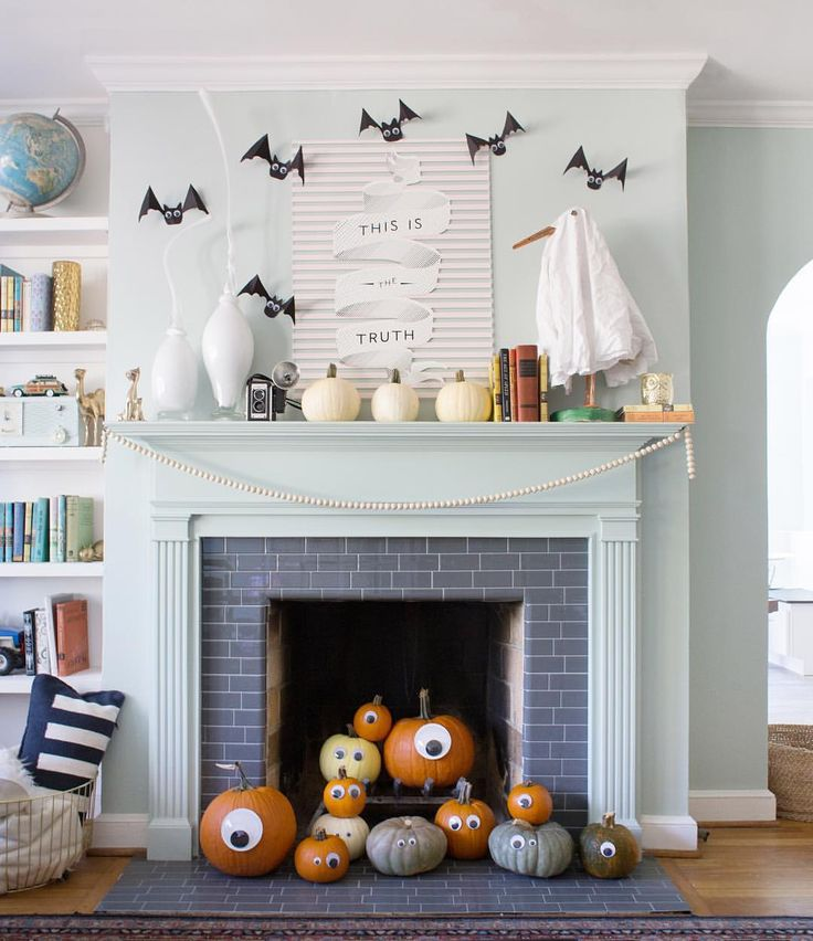 """""""A little bit of fall-spiration. The girls lost their minds over the googly eyed pumpkins."""
