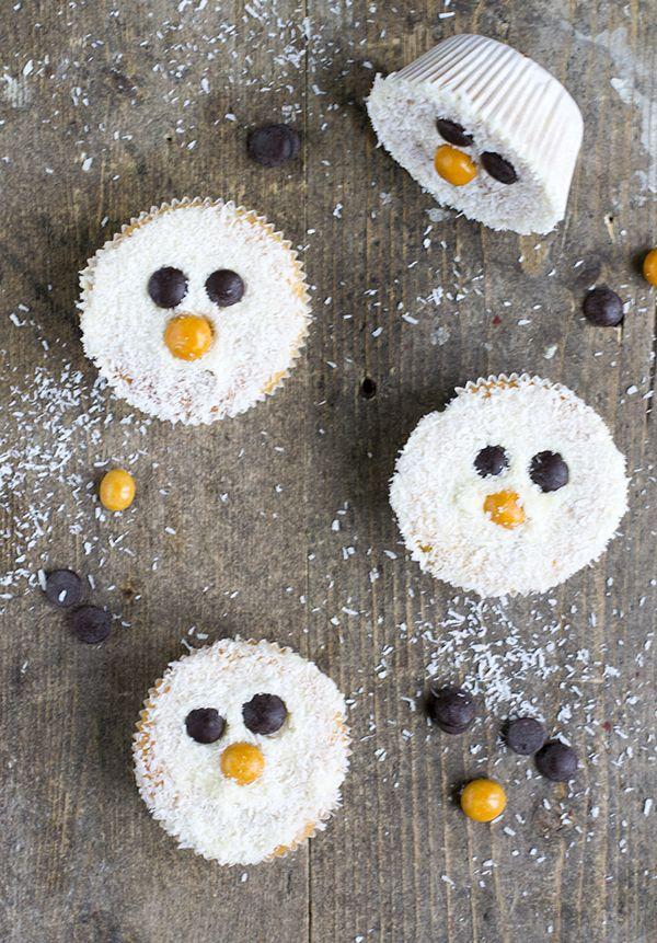 Het is zo leuk om met kids de keuken in te duiken! Daarom deel ik ook dit jaar weer een leuk receptje om samen met de kids te maken voor de feestdagen. Deze keer gaan we voor easy sneeuwman cakejes. Ik kan niet wachten tot mijn kind groot genoeg is om samen met mij de... LEES MEER...