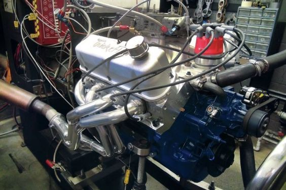 We take a look at this 90s Ford 351 Windsor engine and it's rebuild, and show you how we did it and ended with 505hp so that you can at home.