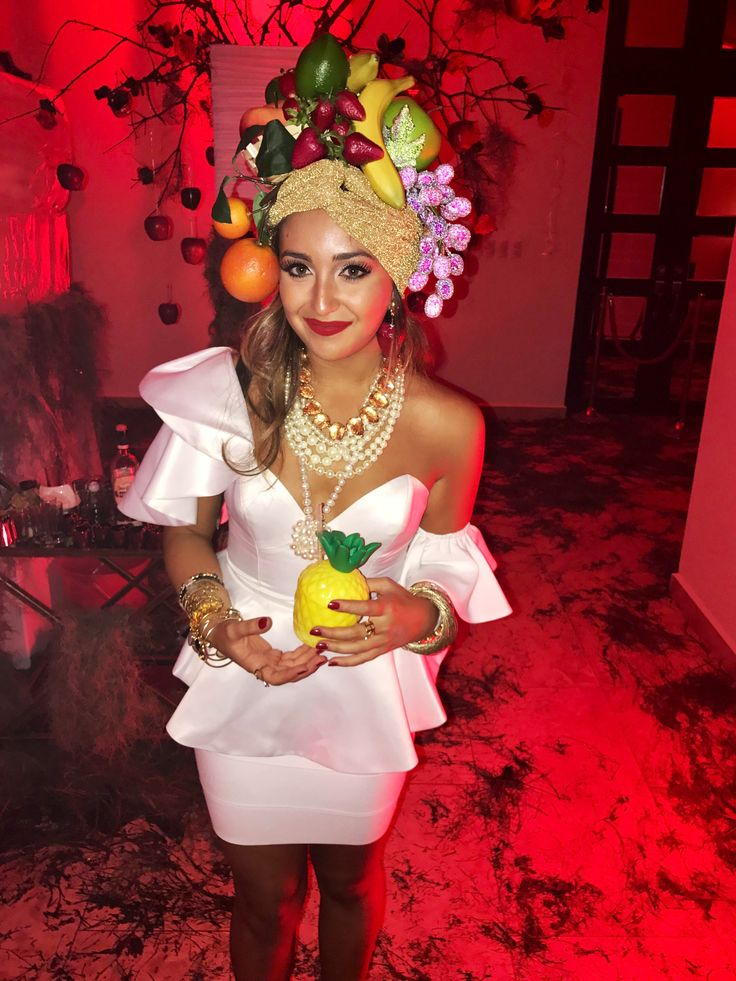 a modern Carmen Miranda costume by @paolazarus