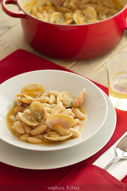 Receta de fabes con almejas    Cantabria   Spain
