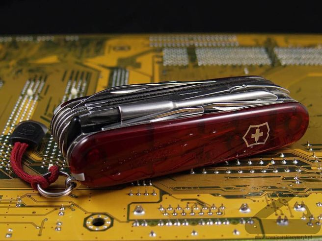CyberTool SAK is the perfect #EDC for the tech-obsessed. Photo by…