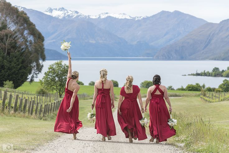 Bridesmaids doing their thing at Rippon