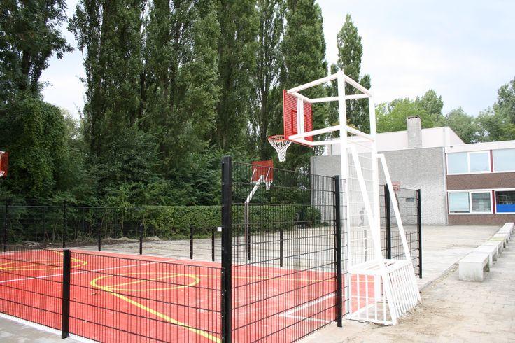 Mini-multicourt, geplaatst in Amsterdam.