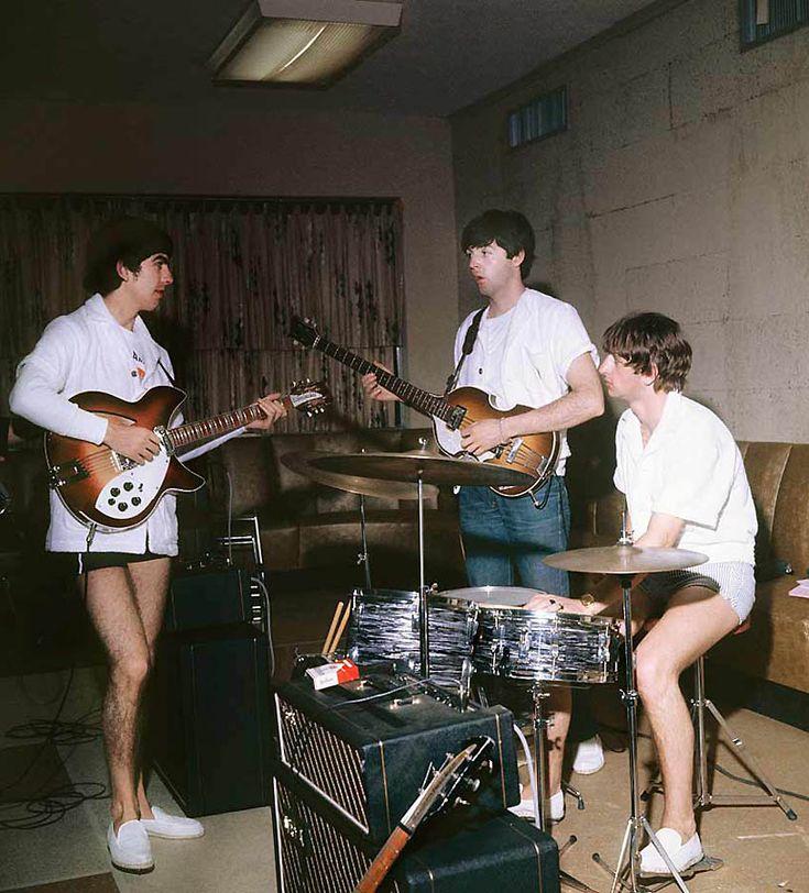Репетиция «The Beatles» во время отдыха в Майами-Бич 16 февраля 1964 года.