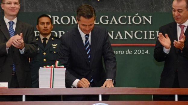 EPN: Reforma financiera democratizará la productividad