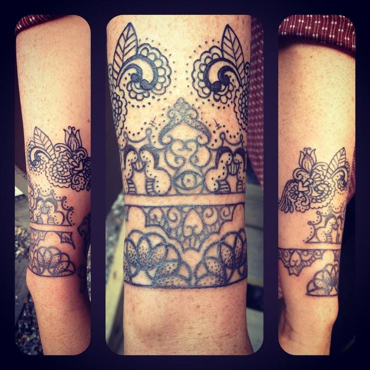 Wrist Cuff Henna Tattoos Mehndi: Henna Inspired Tattoo Cuff.