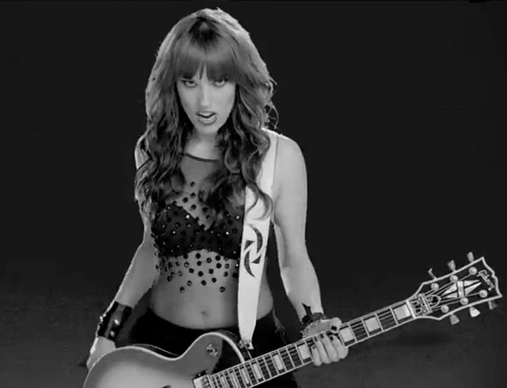 Lzzy Hale againGirls Crushes, Favorite Female, Band Members, Girl Crushes, Hot Celeb, Female Rocker, Lzzy Hale, Hot Dangly, Fav Music