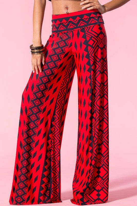 Wide Leg Trousers. Make your mark on the new season and prepare to enhance some volume to your wardrobe with our range of wide leg trousers. For the fashion confident, wide leg trousers are a must-have to add inject an edge to any outfit, casual or glam.