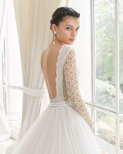 vestido de novia estilo princesa en guipur y tul royal. escote barco
