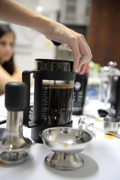 French Press - Prensa Francesa - Dip In Coffee Event - https://aventurasdabarista.wordpress.com/2015/07/02/prensa-francesa-preparo-e-dicas/