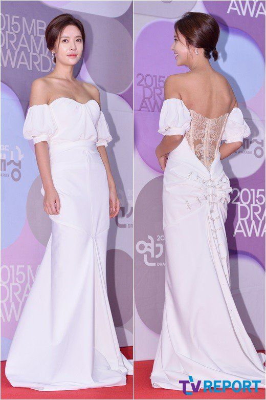 Hwang Jeong-eum looks stunning in a white off the shoulder dress @ HanCinema :: The Korean Movie and Drama Database