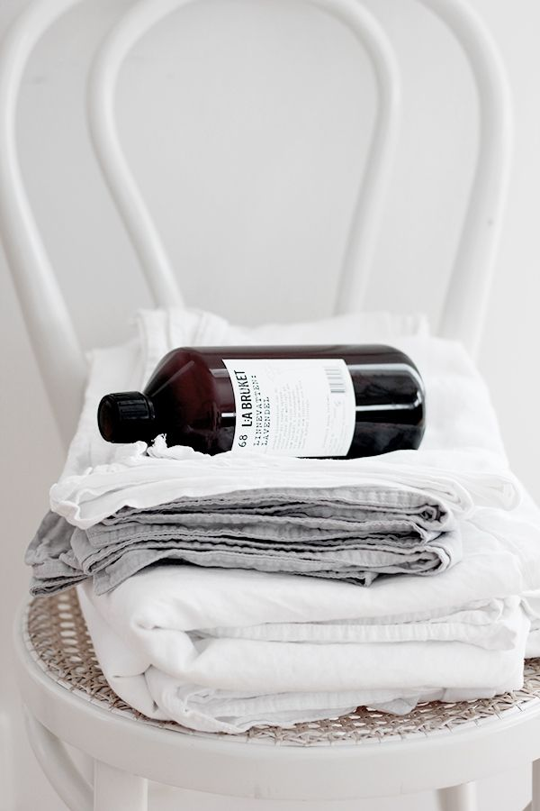 soft linens. amber colored bottle. pretty branding.