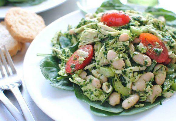 Куриный песто салат со шпинатом