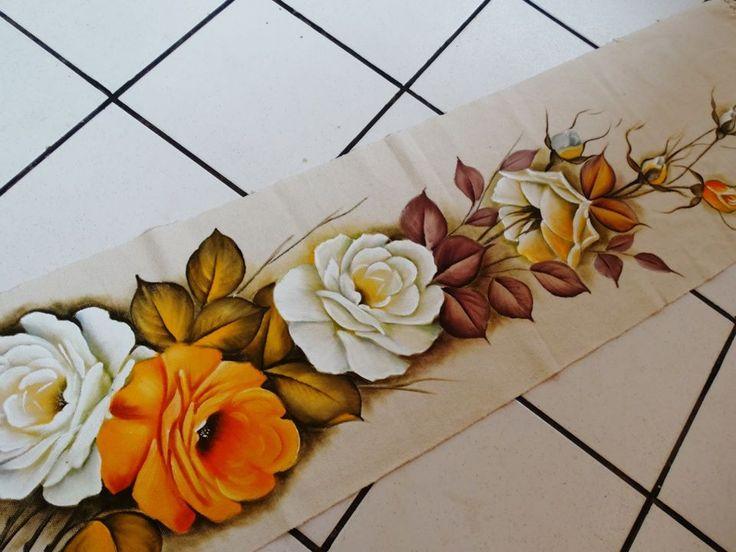 A imagem pode conter: 1 pessoa, flor