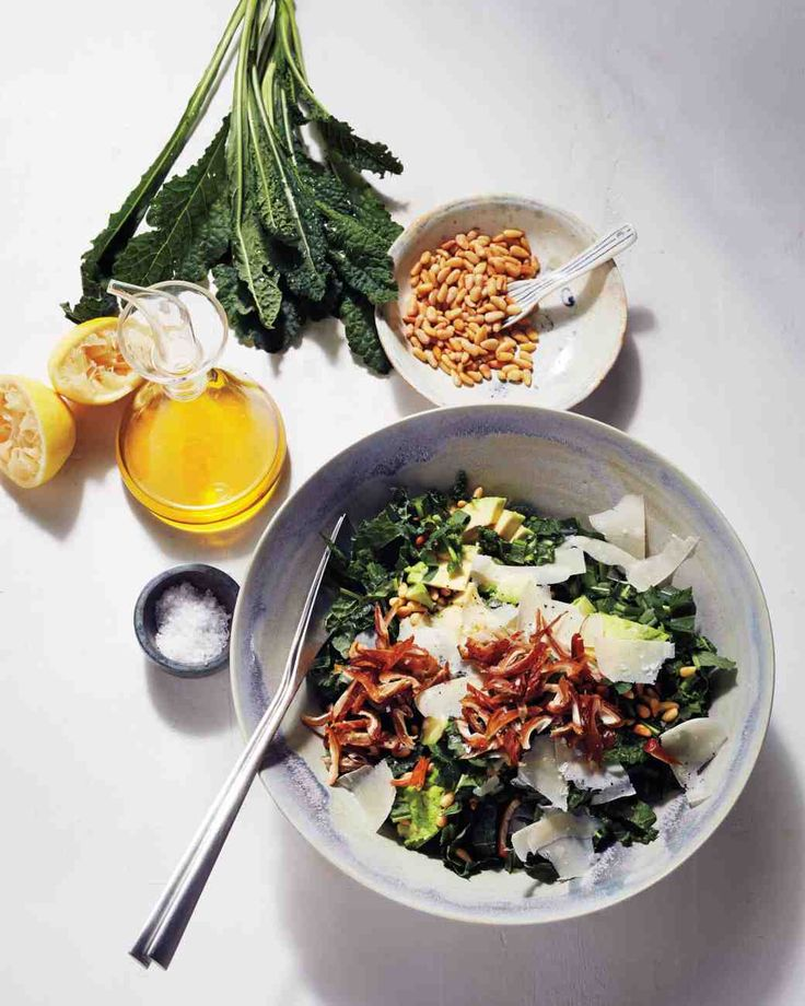 Kale-and-Avocado Salad with Dates