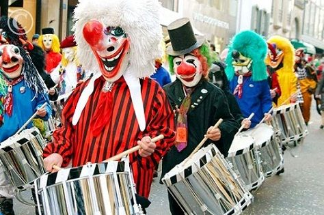 Vestimenta del carnaval de Brasilea
