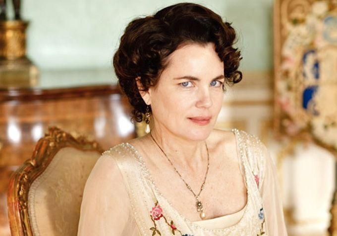 Elizabeth McGovern as Cora, Countess of Grantham.