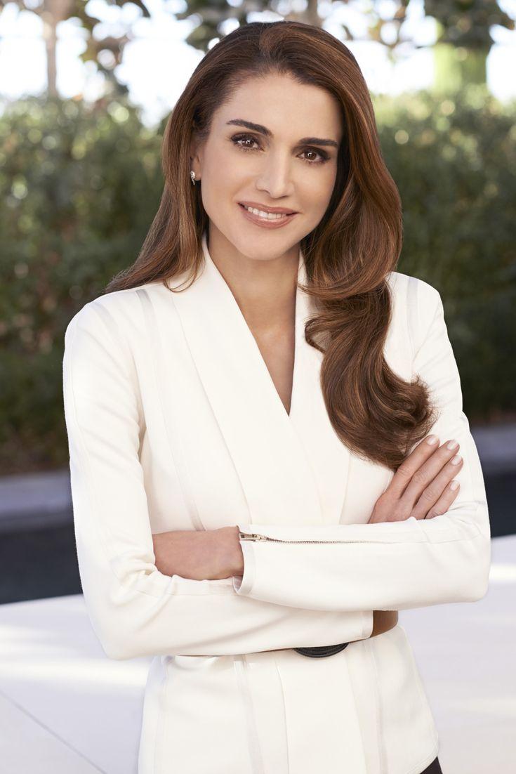 jordanianroyals:    Official portrait of Queen Rania Al Abdullah of Jordan in HQ