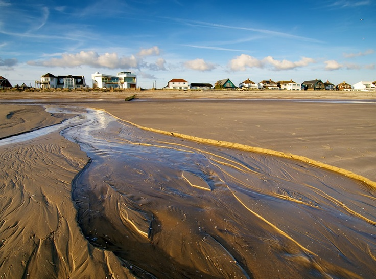 Sea Gem, and other beach-front houses on The Suttons, Camber Sands