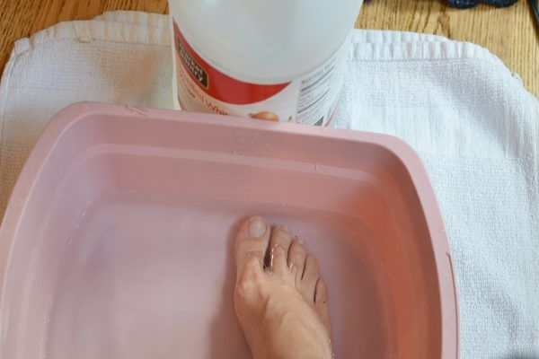 Home Remedy for Thick Toenails (with Pictures) | eHow