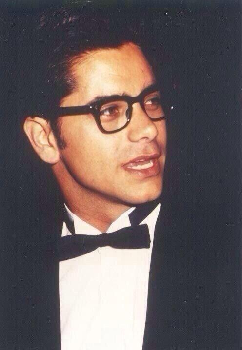 GUYSwithGLASSES, John Stamos in #glasses