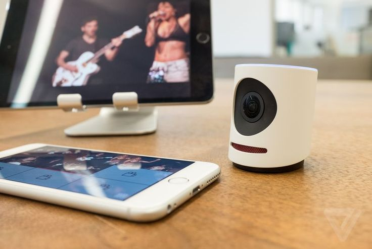The Livestream Movi puts the power of a multi-camera setup in your pocket