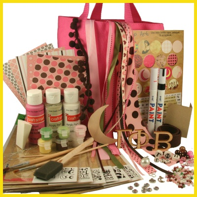 Gamma Phi Beta Supply Sack from DIYGreek.com. Everything you need to make the best sister gifts. Custom Stencils, Paints, Great Ribbons, Wood Letters, Charms, Beads, AND TONS MORE> all only $24.99, #gamma phi beta, #craft, #sorority, #little sister, #gift, #GPhiB, #GPB