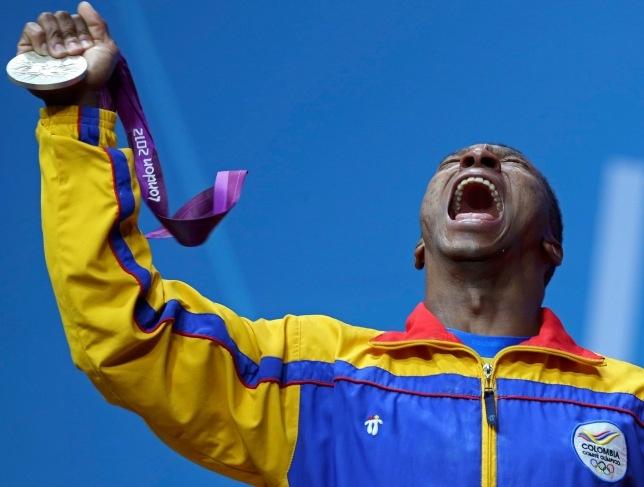 Óscar Figueroa - medalla de plata y récord olímpico en levantamiento de pesas, 62 kg