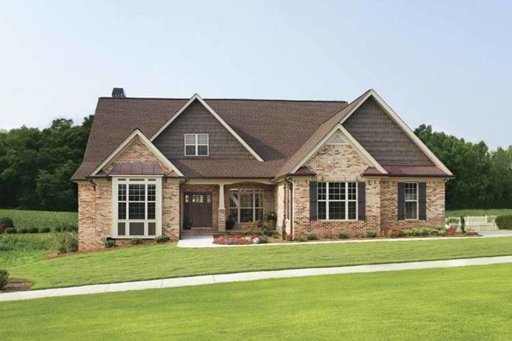 Ranch Exterior - Front Elevation Plan #929-601 - Houseplans.com