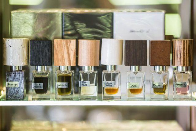 Black Afgano marki Nasomatto to perfumy unisex. Twórcą kompozycji zapachowej jest Alessandro Gualtieri. Nutami głowy są konopie indyjskie, nutami serca są Żywice. Niezwykle uzależniający zapach i budzący kontrowersje.