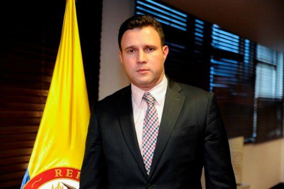 Hoy fue designado como Ministro de Educación encargado Francisco Cardona Acosta, quien ya venía desempeñando labores en este cargo
