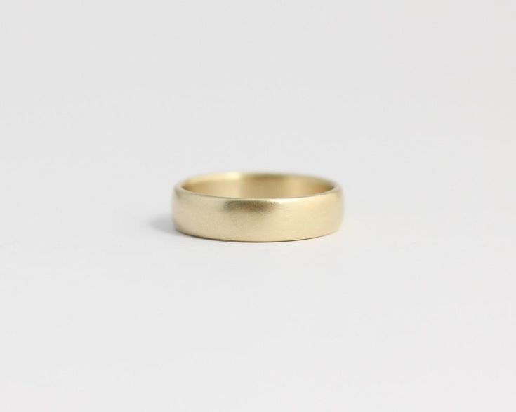 Rounded Ethical Yellow Beach Gold Band - Medium