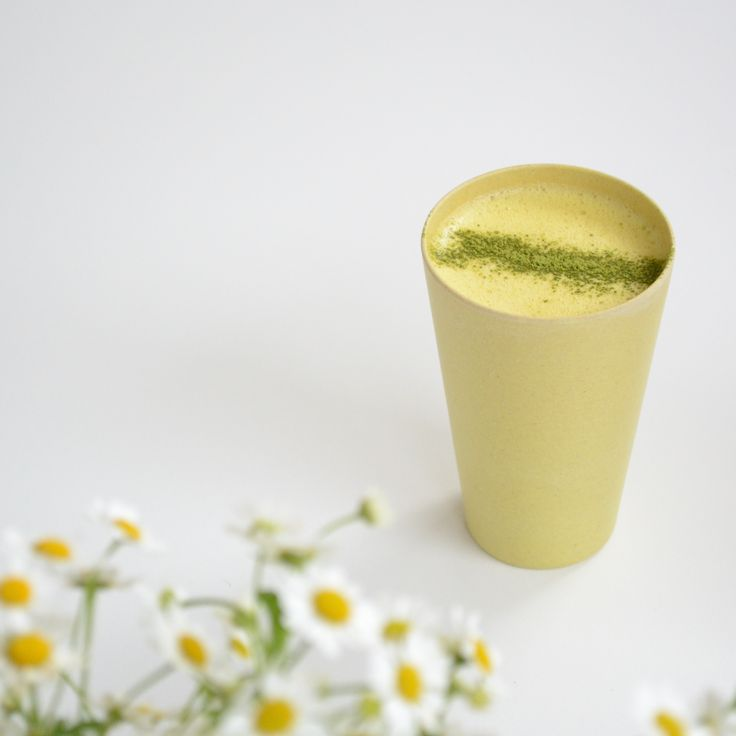 Golden Turmeric, Ginger and Matcha Smoothie