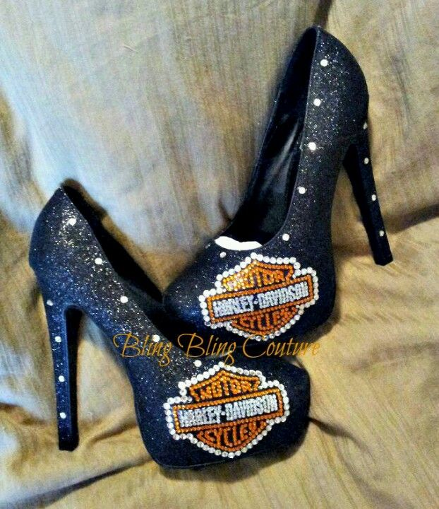 These high heel Harley Davidson shoes r for the ladys that rides Bitch ... Not like myself that drives my own bike ...