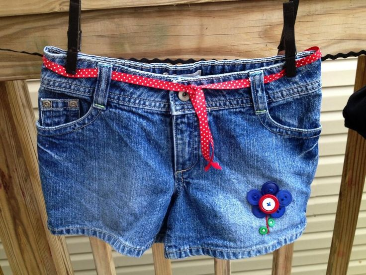 DIY Jeans : DIY Patriotic Denim Shorts Makeover with BUTTONS