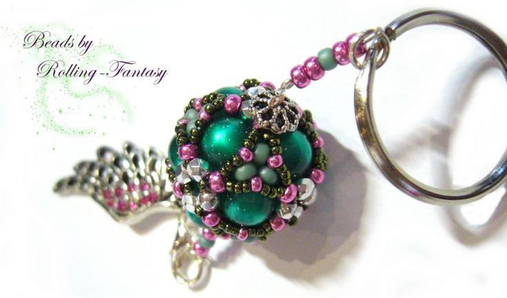 """Schlüsselanhänger """" Beaded Bead"""" mit Engelsflügel von Beads by Rolling-Fantasy auf DaWanda.com"""