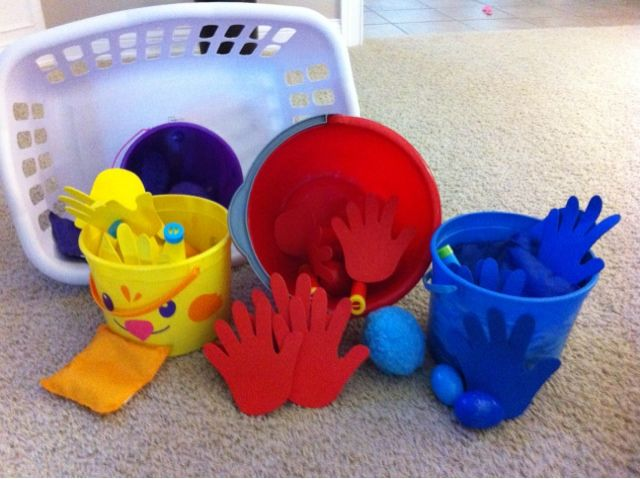 Sort colors, move, and stay active on a cold day! Great activity for little ones in music and movement, preschool, or daycare.