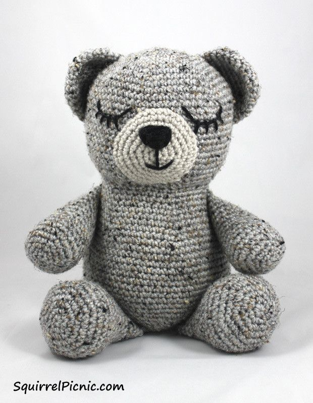 Sleepy Bear  •  Free tutorial with pictures on how to make a bear plushie in 1...