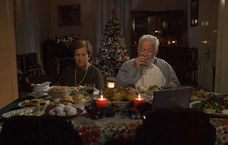 Μια εξαιρετική ταινία μικρού μήκους του Θοδωρή Παπαδουλάκη για τις χριστουγεννιάτικες οικογενειακές στιγμές και για τους απρόσμενους επισκέπτες.